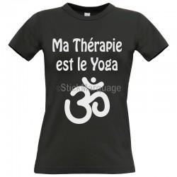 "Tee-shirt Noir ""Ma Thérapie est le Yoga"" B&C Femme Exact 190"